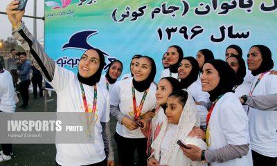 جشن قهرمانی تیم شهرداری بم در لی 28 400x240 تصاویر جشن قهرمانی تیم شهرداری بم در لیگ برتر فوتبال زنان 96