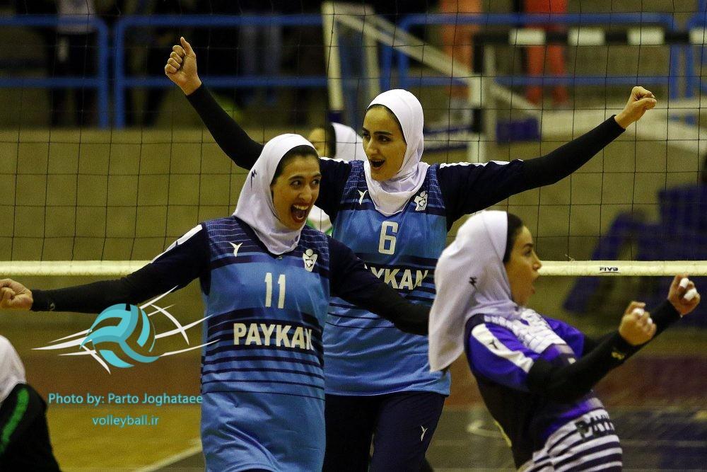 هانیه محتشمی و زهرا بخشی ؛ کمکی های پیکان در والیبال آسیا