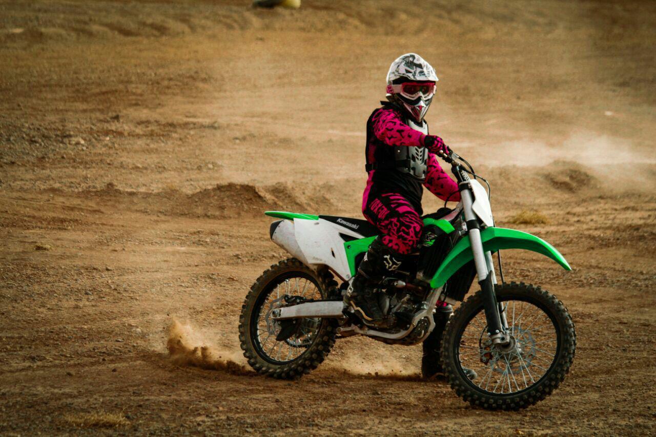 ویدئو مسابقات موتور کراس بانوان در پیست ورزشگاه آزادی