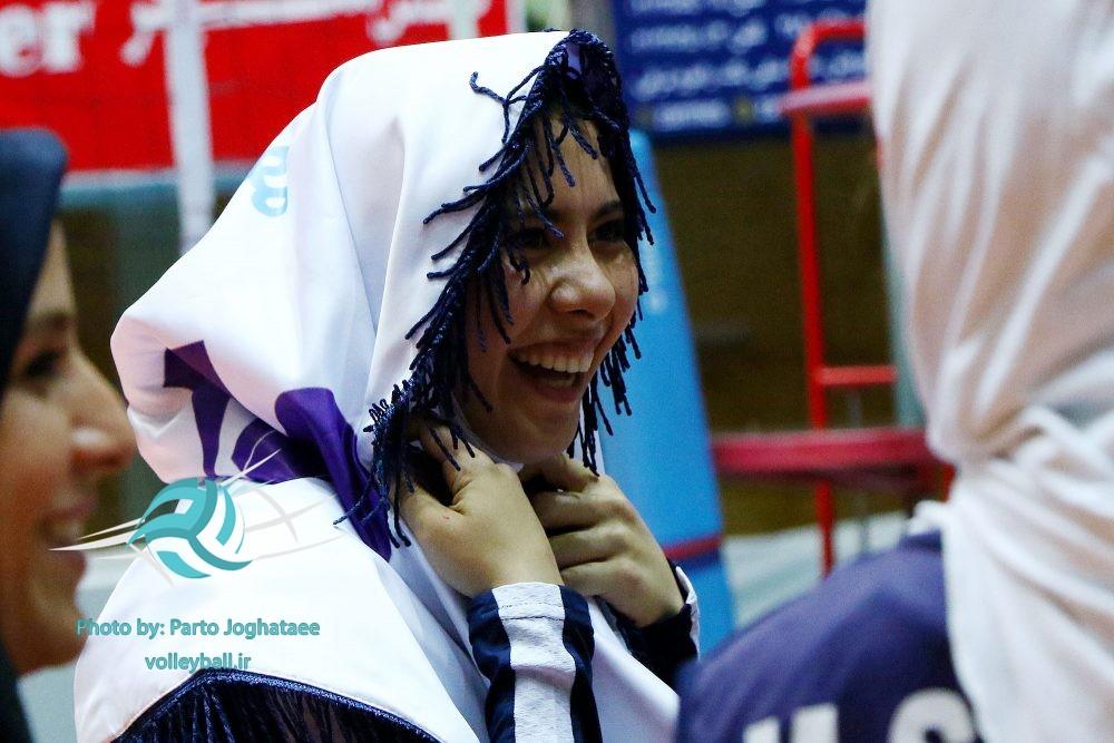 تصاویر قهرمانی پیکان در لیگ برتر والیبال زنان ۹۶ ؛ دیدار برابر نماینده تهران