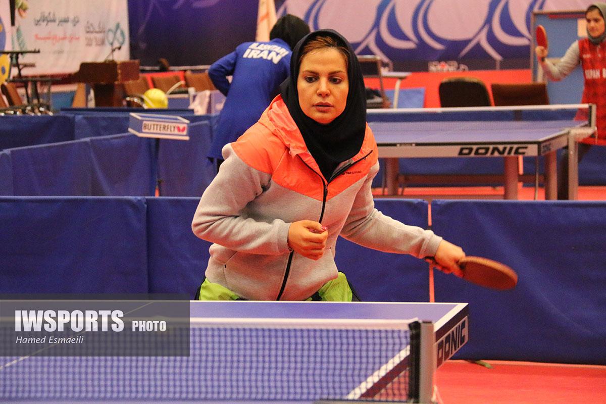 تمرین ندا شهسواری، مهشید صامت و فاطمه جمالی فر در اردوی تیم ملی