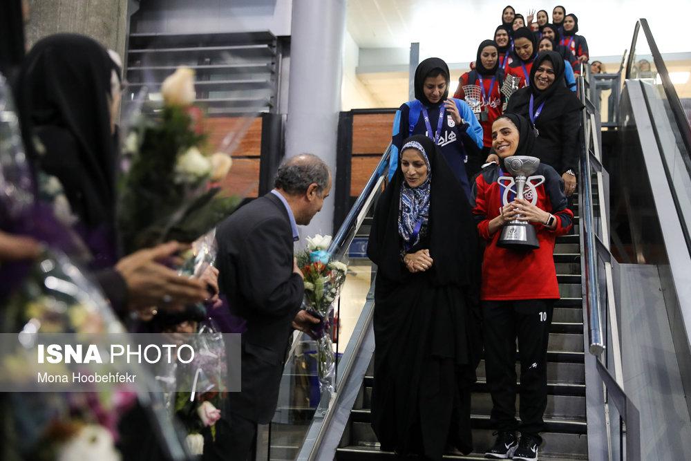 دختران ملی پوش: هدیه گرفتیم؛ بدهی فدراسیون فوتبال سرجایش است