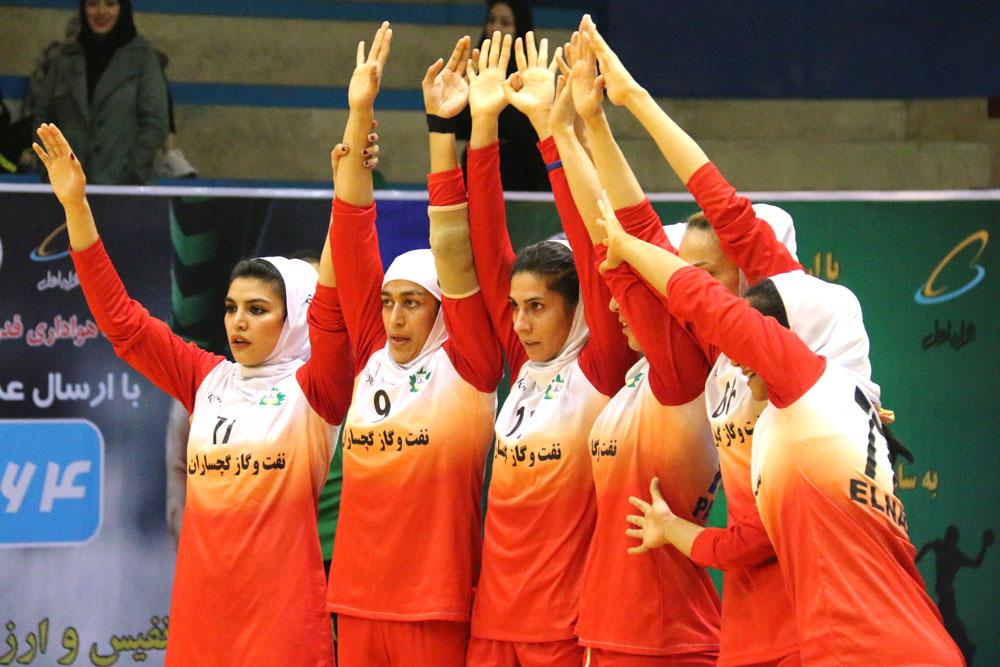 صمیمی : به بازیکن 16 ساله میدان می دهم و افتخار می کنم/ بوشهر حریف آسانی نبود