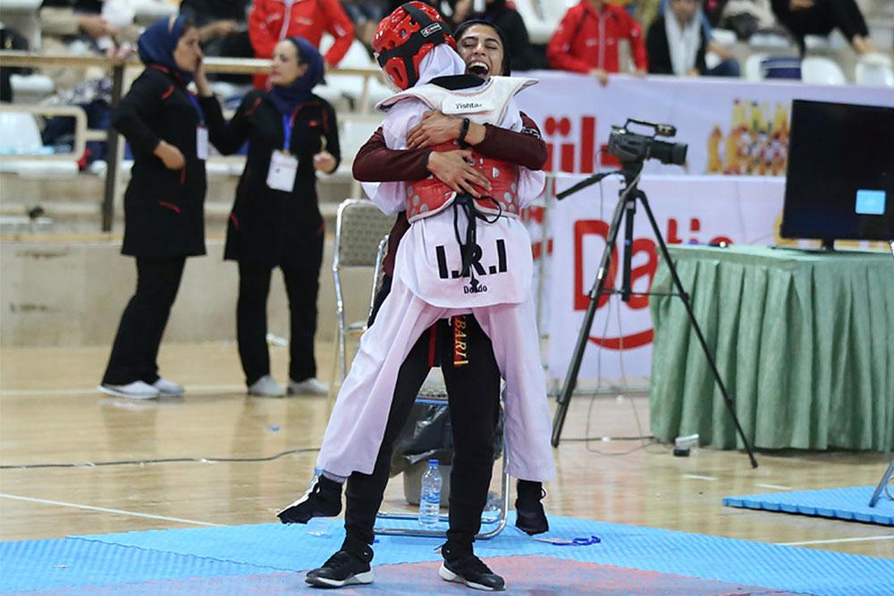 تصاویر مسابقات تکواندو خردسالان دختر کشور در یزد