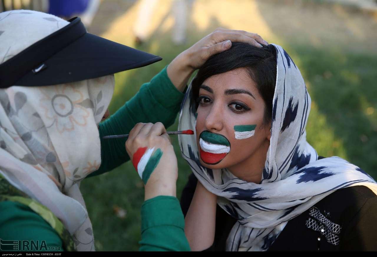 حضور زنان در ورزشگاه ها دختران ورزشگاه آزادی ایران اسپانیا 5 حضور زنان در فینال لیگ قهرمانان ؛ باز هم تماشاگران گزینشی
