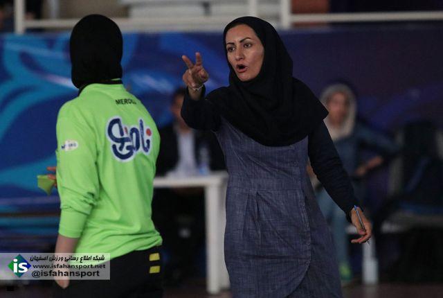 تصاویر روز پایانی مسابقات فوتسال بانوان اصفهان