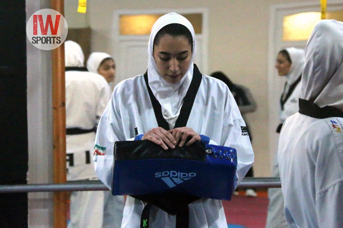 پولادگر: کیمیا علیزاده به خانواده و مربی اش گفته که برای تفریح به اروپا میرود