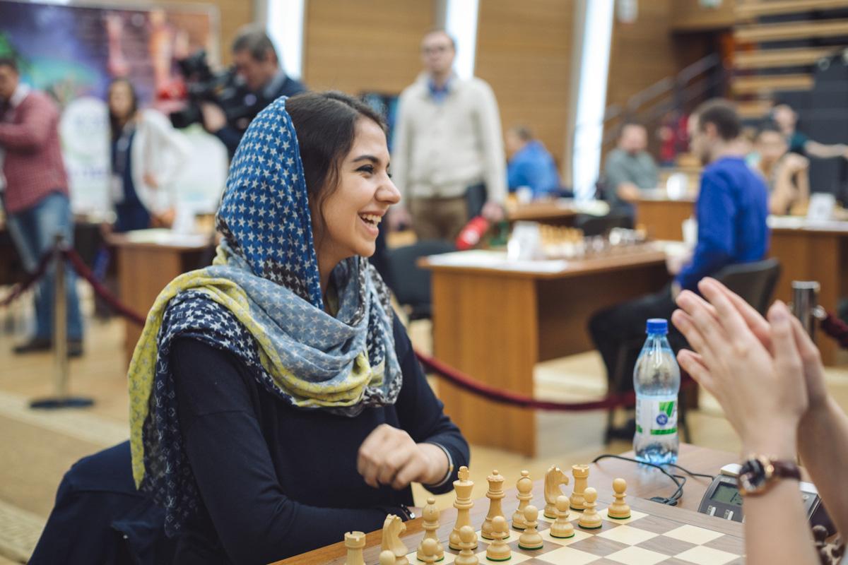 درباره سارا خادم الشریعه ؛ دختر متواضع ایران در آغاز راه افتخار
