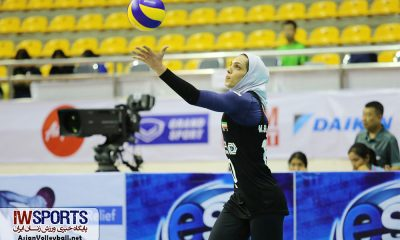 مائده برهانی در مسابقات والیبال کاپ آسیا AVC CUP ؛ دیدار تیم های ایران و قزاقستان 1 400x240 برهانی: پیشرفت والیبال ایران لاک پشتی است | به عقب برگردم باز هم والیبالیست میشوم