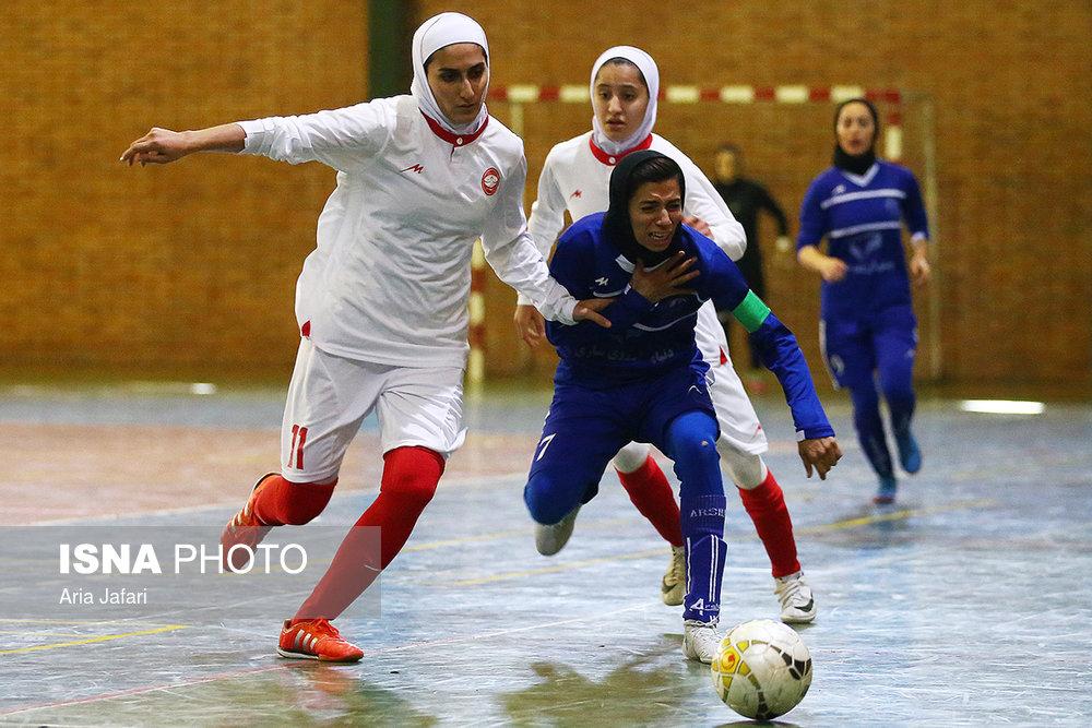 تصاویر دیدار سپیدرود و استقلال ساری در لیگ برتر فوتسال بانوان