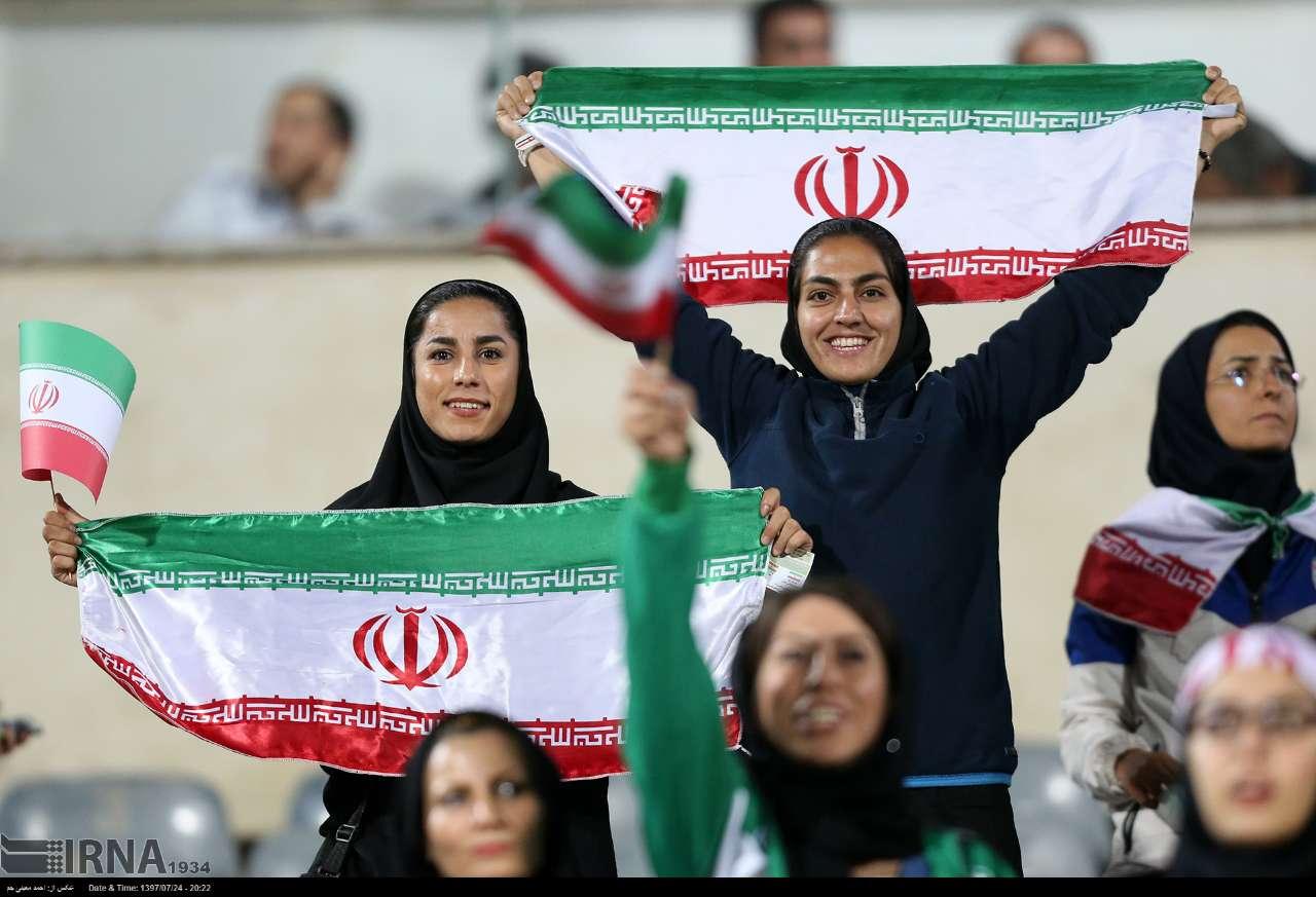 اولین حضور زنان ایران در ورزشگاه آزادی ایران بولیوی 5 بررسی حضور گزینشی زنان در ورزشگاه ؛ نور امید یا پروژه گمراه کردن فیفا؟