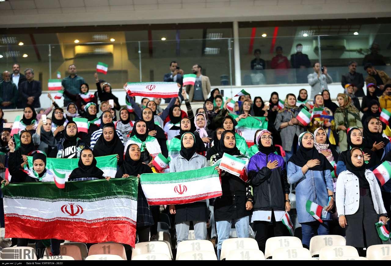 واکنش دادستان به حضور زنان در ورزشگاه : تکرار شود برخورد می کنیم!
