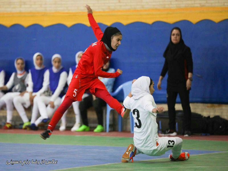 شهرداری رشت ۱ دختران کویر مس کرمان ۷ / تثبیت جایگاه دختران کویر در روز باخت پویندگان