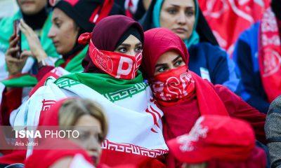 حضور زنان در ورزشگاه آزادی در دیدار فینال لیگ قهرمانان آسیا 11 400x240 ادامه تبعات دختر آبی | فیفا هیئت تحقیق به ایران اعزام می کند
