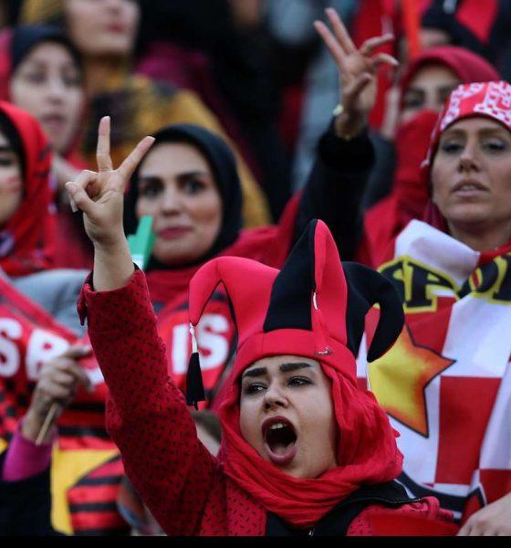 حضور زنان در ورزشگاه آزادی در دیدار فینال لیگ قهرمانان آسیا 5 560x600 بیانیه فیفا: حضور زنان در ورزشگاههای ایران بدون محدودیت و پیش شرط و برای همه