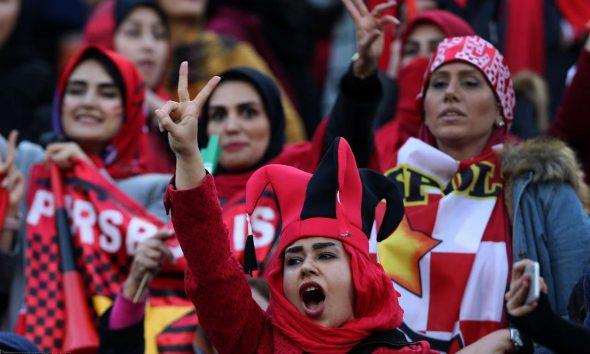 حضور زنان در ورزشگاه آزادی در دیدار فینال لیگ قهرمانان آسیا 5 590x354 بیانیه فیفا: حضور زنان در ورزشگاههای ایران بدون محدودیت و پیش شرط و برای همه