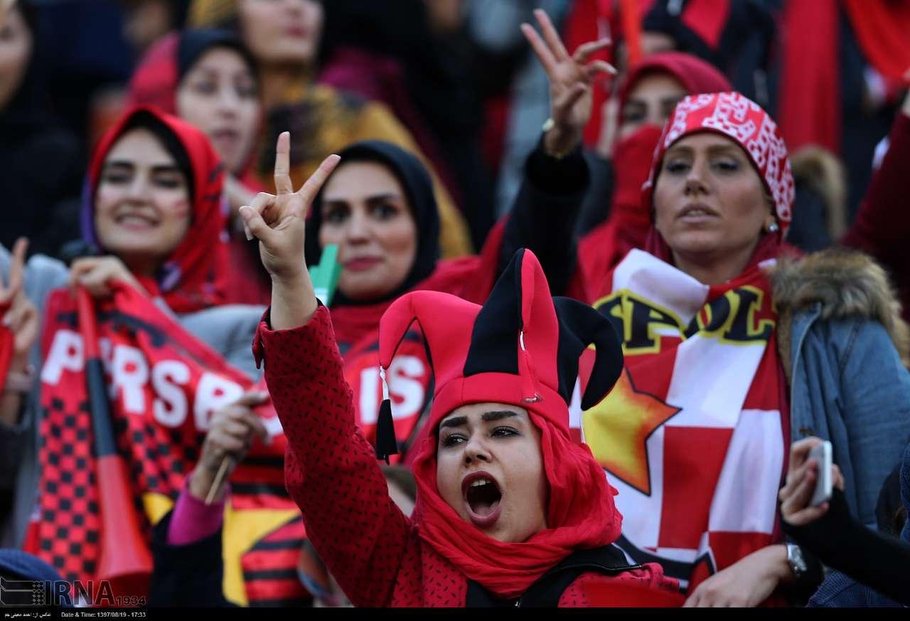 بیانیه فیفا: حضور زنان در ورزشگاههای ایران بدون محدودیت و پیش شرط و برای همه