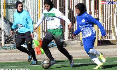 دیدار تیم های راهیاب ملل کردستان و خلیج فارس شیراز در هفته اول لیگ برتر فوتبال بانوان 12 400x240 راه یاب ملل بدون شادی مهینی در هفته یازدهم/ مهینی: تیم ملی در اولویت است