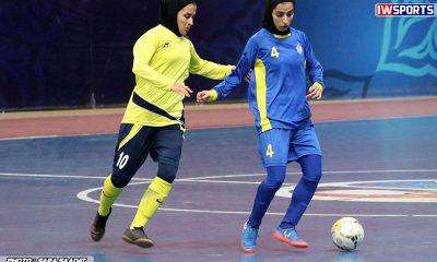 دیدار تیم های فوتسال نامی نو اصفهان و ملی حفاری خوزستان در هفته هفدهم لیگ برتر فوتسال بانوان 12 400x240 سوال از باشگاه های فعال ورزش زنان ؛ شما برای دیده شدن چه کرده اید؟