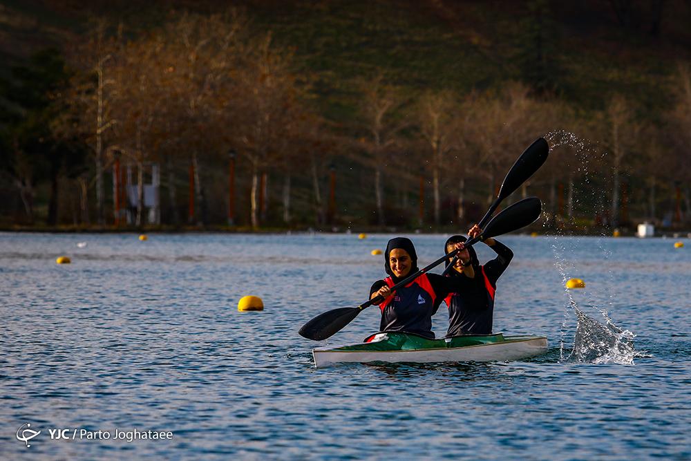 دختران قایقران آبهای آرام در انزلی اردو زدند