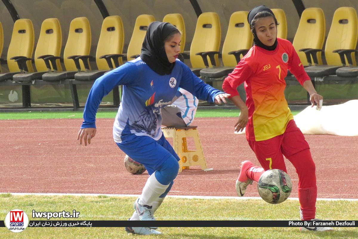 گزارش تصویری دیدار تیم های خلیج فارس شیراز و شهرداری سیرجان در لیگ برتر فوتبال بانوان