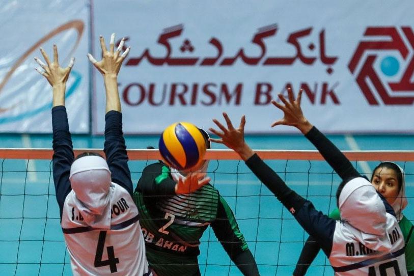 مشکلات عجیب دختران والیبالیست در زنجان