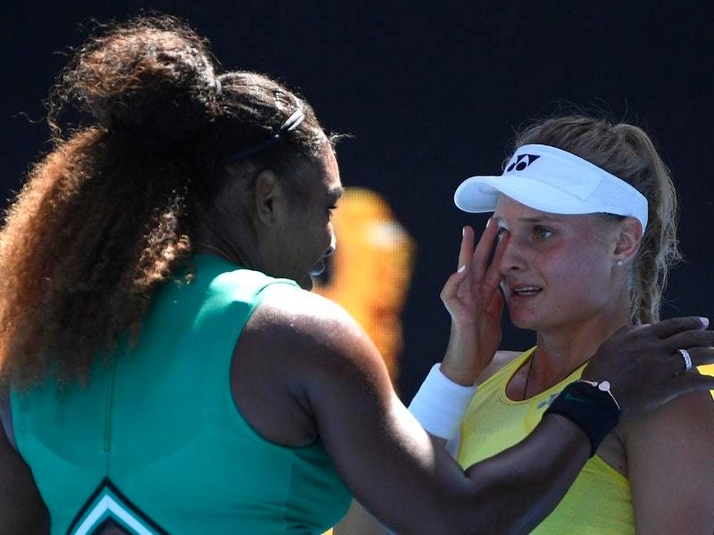 serena williams dayana cried in open australia سرنا ویلیامز صعود سرنا ویلیامز به دور چهارم تنیس آزاد استرالیا / دلداری سرنا به تنیسور بازنده
