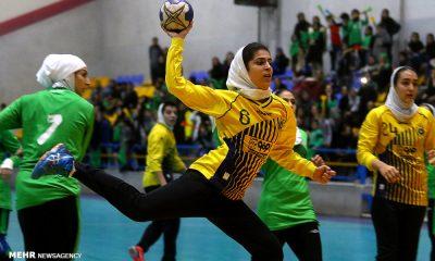 دربی هندبال بانوان اصفهان ذوب آهن و سپاهان 13 400x240 9 تیم در لیگ هندبال بانوان | به لیگ مایه دارها خوش آمدید!