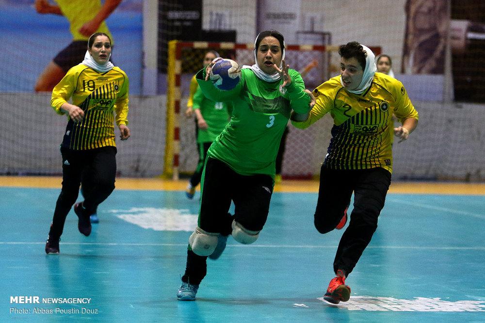 دربی هندبال بانوان اصفهان ذوب آهن و سپاهان 19 کیش قهرمان هندبال امیدهای کشور شد | سلوکی: تیم ملی امید بانوان تشکیل میشود