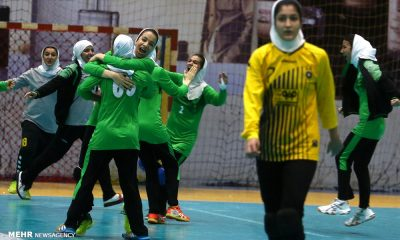 دربی هندبال بانوان اصفهان ذوب آهن و سپاهان 24 400x240 رمضانی : سیاست ذوب آهن در عرصه ورزش بانوان حفظ تیمهای فعلی است