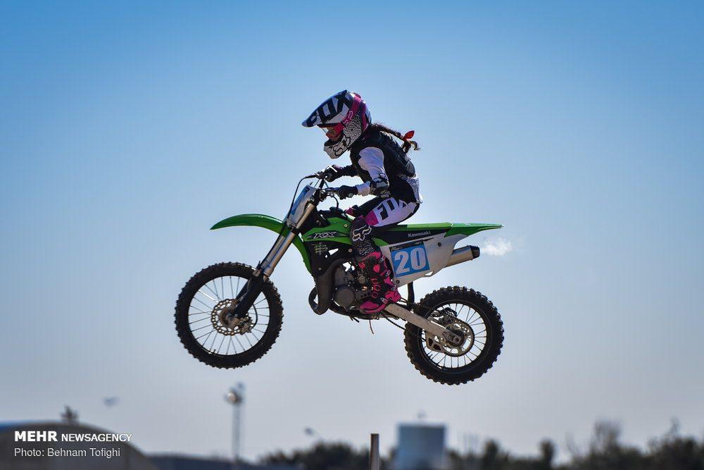 مسابقات موتور کراس بانوان کشور 1 1000x667 گزارش تصویری مسابقات موتور کراس بانوان کشور در تهران