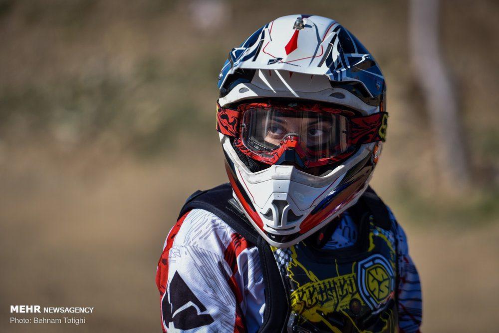 مسابقات موتور کراس بانوان کشور 14 1000x667 گزارش تصویری مسابقات موتور کراس بانوان کشور در تهران