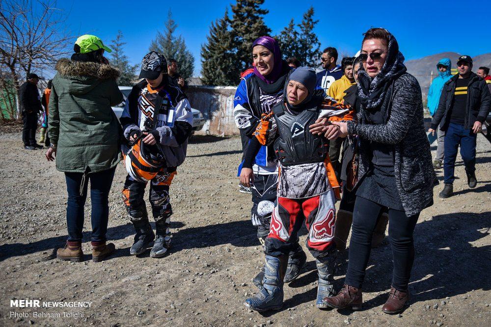 مسابقات موتور کراس بانوان کشور 4 1000x667 گزارش تصویری مسابقات موتور کراس بانوان کشور در تهران