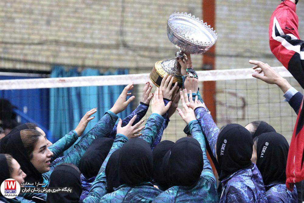 والیبال جام باشگاه های بانوان باریج اسانس اکسون 1 1000x667 گزارش تصویری قهرمانی باریج اسانس در والیبال بانوان کشور