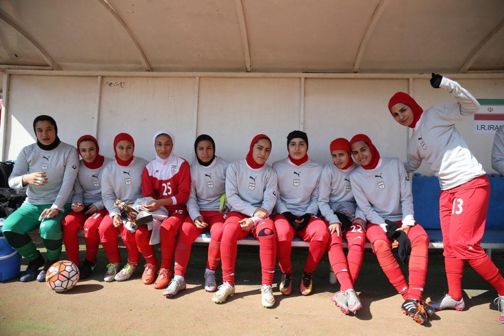 بانوان فوتبالیست ایران در بازی با بلاروس 1000x667 تصاویر دیدار تیم های ملی فوتبال بانوان ایران و بلاروس در ورزشگاه آرارات