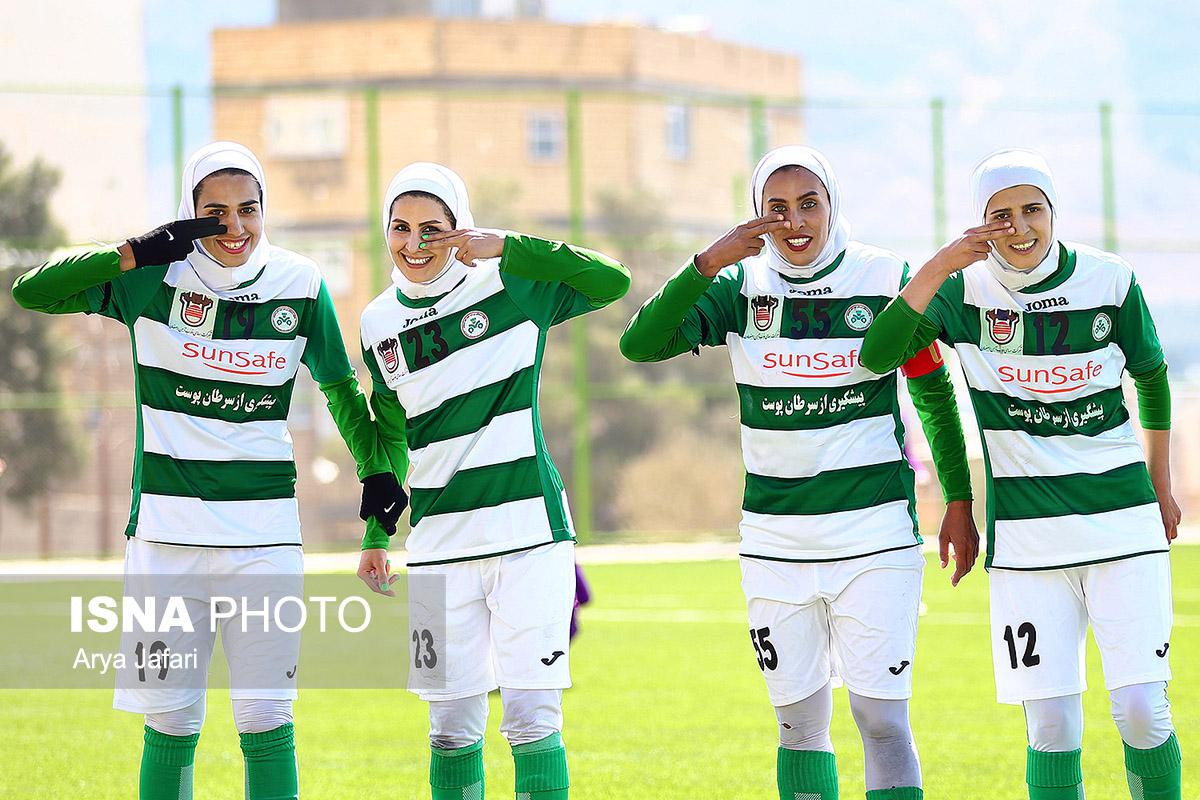 دیدار تیم های فوتبال بانوان ذوب آهن و سپیدار قائم شهر به روایت تصویر