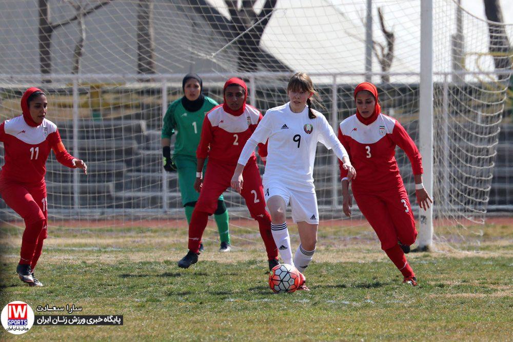 دیدار دوستانه فوتبال بانوان ایران و بلاروس 15 1000x667 یادداشت وارده: ابر و باد و مه و زمین و داور، همه مقصرند به جز مربی