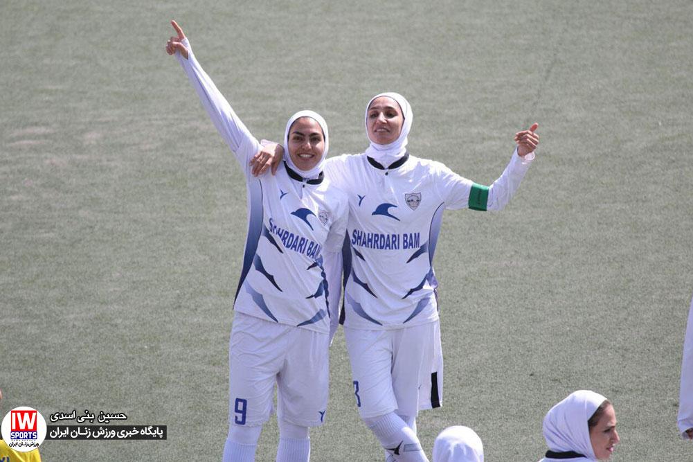 هفته دهم لیگ برتر فوتبال | برتری شهرداری بم برابر سپاهان و پایان کلین شیت های پیاپی