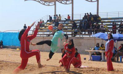 مسابقات هندبال ساحلی بانوان در بندر عباس 11 400x240 تصاویری از مسابقات هندبال ساحلی بانوان در بندر عباس