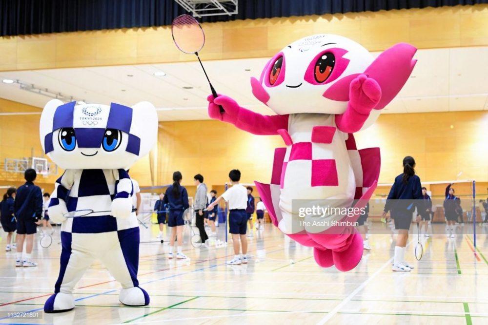 نمادهای عروسکی المپیک 2020 توکیو 3 1000x667 نمادهای عروسکی المپیک ۲۰۲۰ توکیو رونمایی شدند