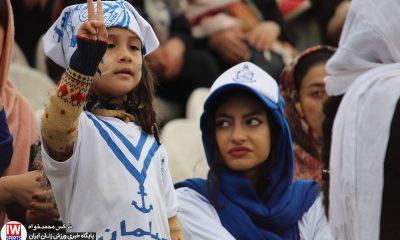 دیدار فوتبال بانوان ملوان انزلی و آذرخش تهران 2 400x240 تصاویر منتخب سال ۹۸ ورزش زنان ایران – قسمت دوم