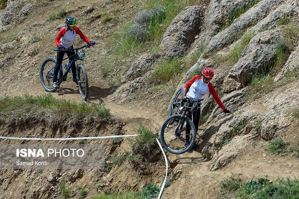 مرحله اول لیگ دوچرخه سواری کوهستان در کرج 5 1000x667 تصاویر لیگ دوچرخه سواری دانهیل و کراس کانتری بانوان در باغستان
