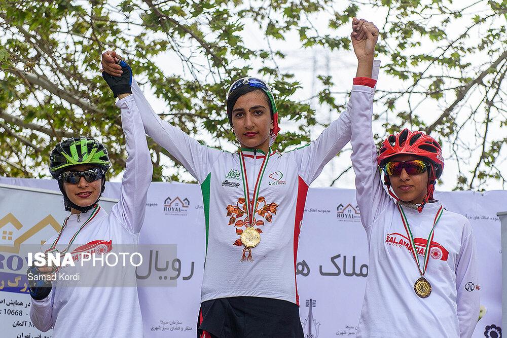اتفاق جالب در لیگ دوچرخه سواری کوهستان | مهدیس پناهنده نیامده قهرمان شد