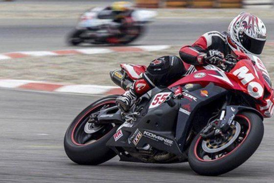 13980409000361 Test PhotoN 560x375 رقابت های موتورسواری زنان ایران/ قهرمانی بهناز شفیعی و ملیحه کریمی