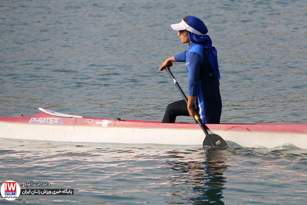 تمرین تیم ملی قایقرانی کایاک بانوان در دریاچه آزادی 1000x667 گزارش تصویری   تمرین تیمهای ملی قایقرانی رویینگ و آبهای آرام بانوان