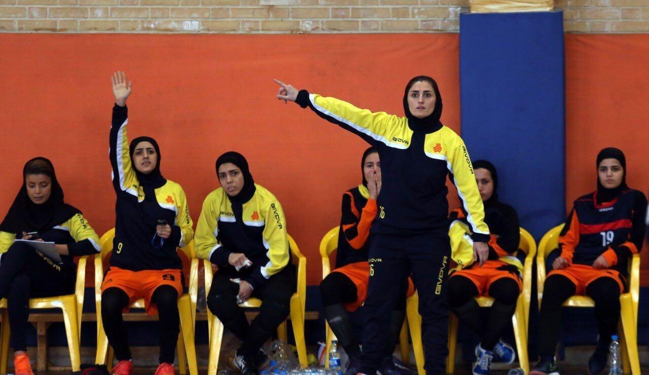 معصومه رضازاده معصومه رضازاده: نیمکت و تیم اصلی ما تفاوتی با هم ندارند | آینده رهیاب گستر روشن است