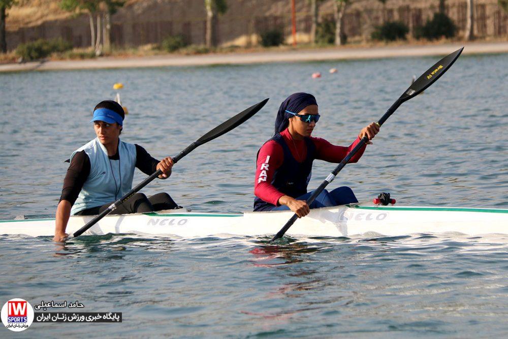 هدیه کاظمی و آرزو حکیمی 1000x667 گزارش تصویری   تمرین تیمهای ملی قایقرانی رویینگ و آبهای آرام بانوان