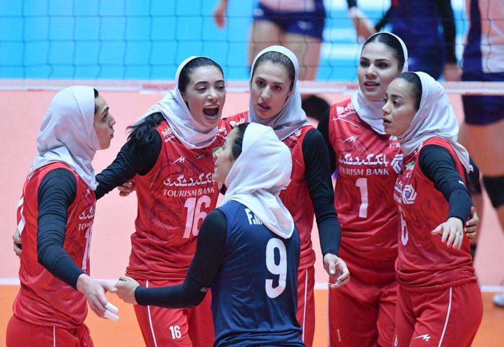 ایران چین تایپه والیبال قهرمانی زنان آسیا 3 1000x688 گزارش تصویری | دیدار ایران و چین تایپه در والیبال زنان آسیا