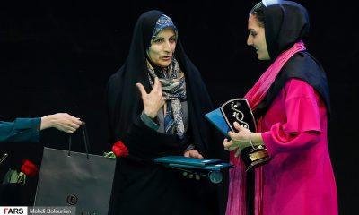 برترین های فوتبال بانوان در مراسم برترین های فوتبال ایران 3 400x240 لیلا صوفی زاده، بانوی لبخند به سنگ ریزهها؛ پای ثابت عکسها و استیج ها