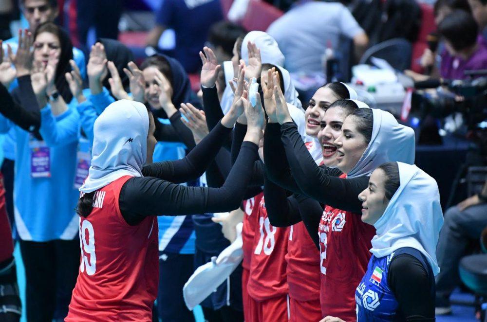 تصاویر دیدار تیم های ملی والیبال بانوان ایران و کره جنوبی 1 1000x662 گزارش تصویری دیدار والیبال بانوان ایران و کره جنوبی